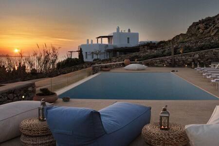 Mykonos Villa in Agios Ioannis - Agios Ioannis Diakoftis - Villa