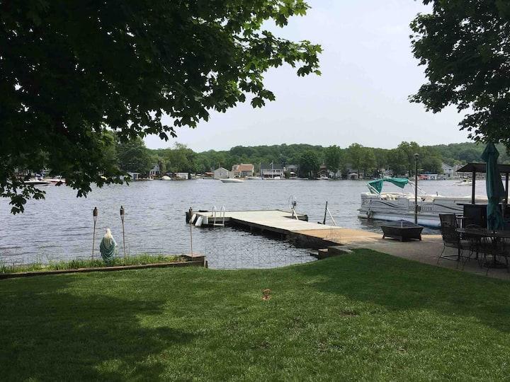 Newly renovated Lakeside Home