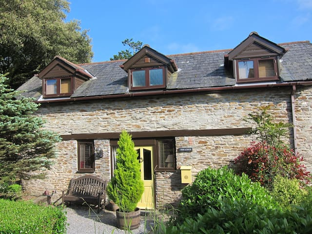 Colmer Lodge - a fabulous hideaway !