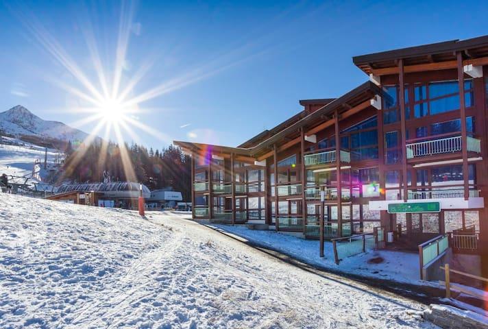 Appartement ARCS 1800 skis aux pieds