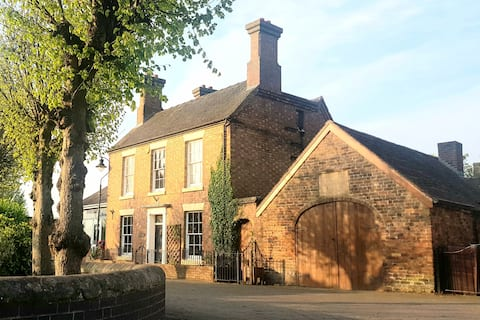 The Coach House, Broseley. A mile from Ironbridge!