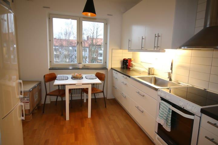 Helsingborg nära knutpunkten - Helsingborg - Apartment