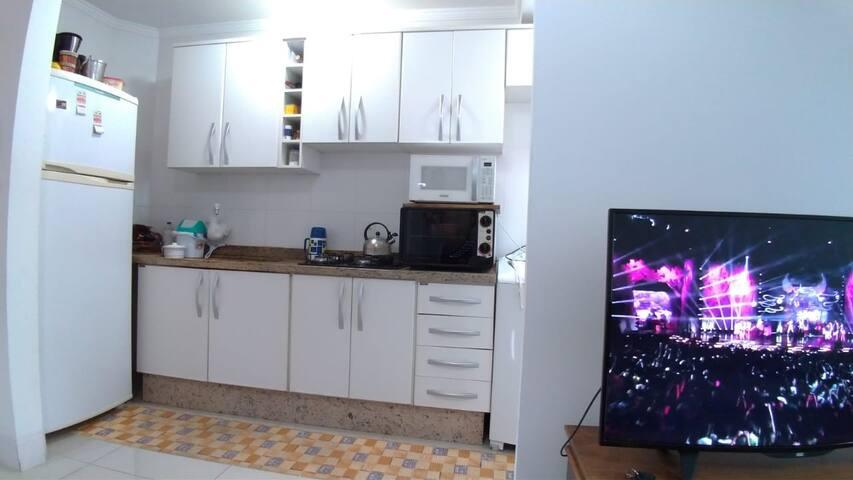 Alugo Quarto em Balneário Camboriú SC