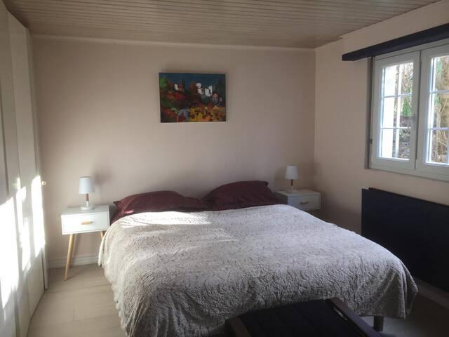 Suite cosy privée en bas de maison