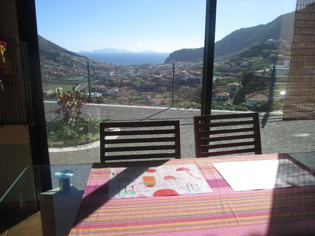 Wide room in Machico with a breathtaking view