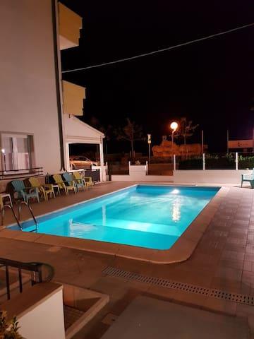 Meraviglioso Hotel Fronte Mare con Piscina Rimini
