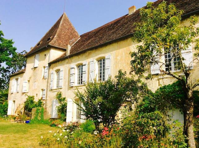 Maison de charme Bord de Dordogne - Couze-et-saint-front  - Σπίτι