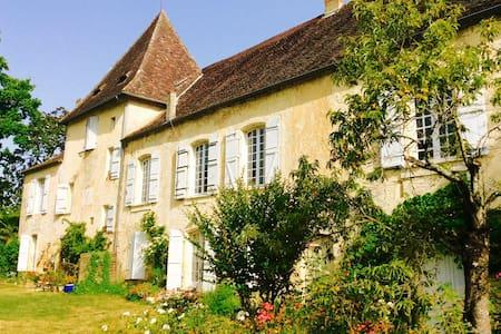 Maison de charme Bord de Dordogne - Couze-et-saint-front