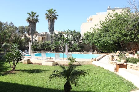 Typical Maltese Palazzo/Farmhouse with Large Pool - 馬爾薩什洛克(Marsaxlokk) - 別墅