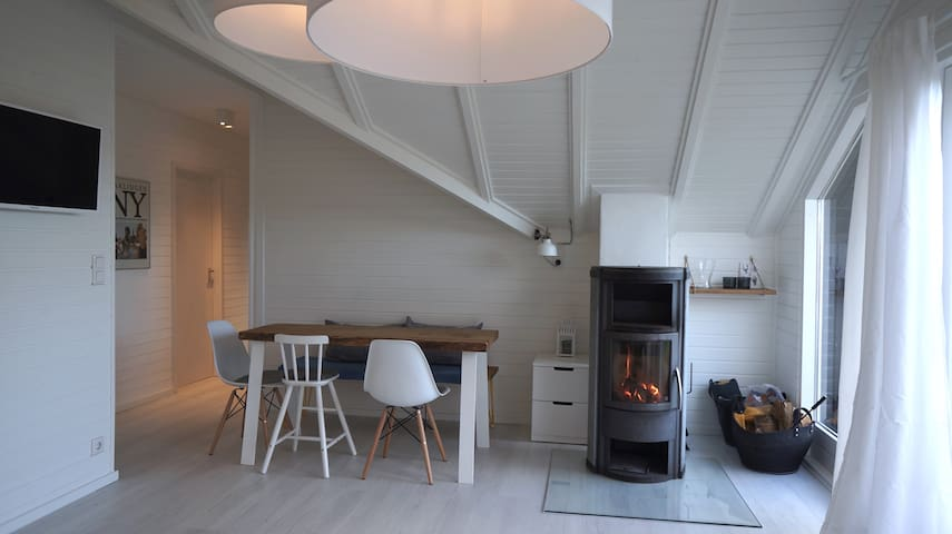 Design-Haus an der Schlei - Wasser, Idylle & Stil - Kosel - Rumah