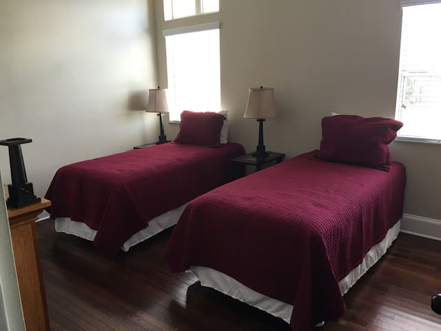 Capernaum Lodge Single Room #10 - Lake Wales