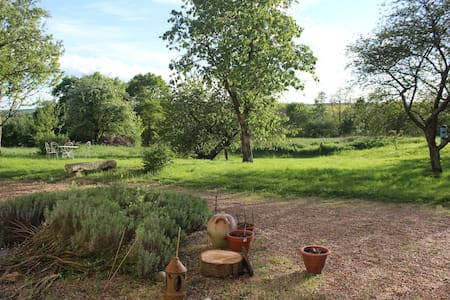 Maison charme,  repos et nature,  25 mn du Circuit - Villaines-sous-Lucé - Bed & Breakfast