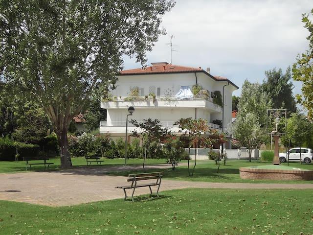 Radioso bilocale con giardino nel cuore di Ravenna
