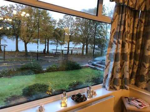 Holiday Let With Lake View