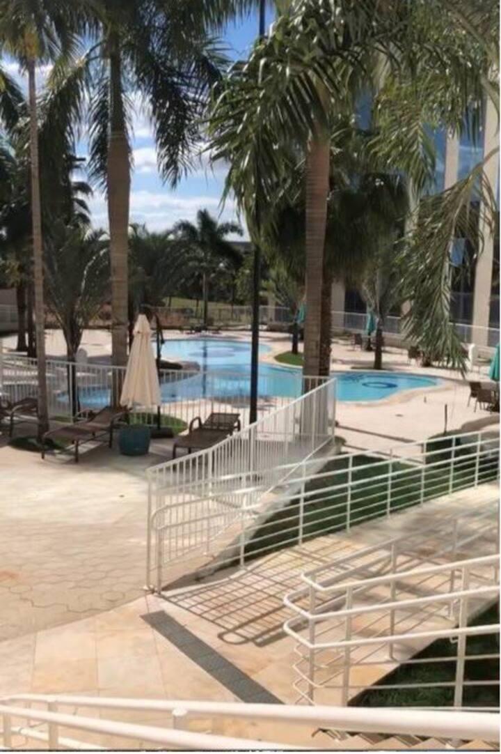 Hotel c/ Piscina : Apto dentro do Parque do Peão