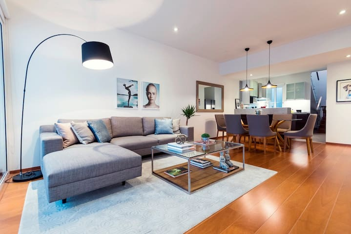 Luxurious apartment next to JW Marriott Miraflores