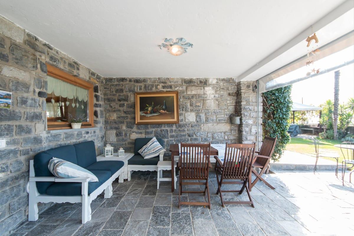 Accogliente Villa con giardino con vista sul Lago di Como
