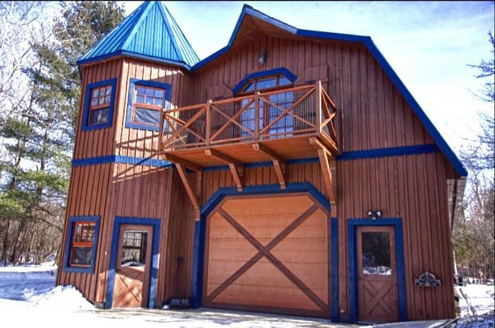 Loft à Granby, zoo, ski, route des vins, charge EV