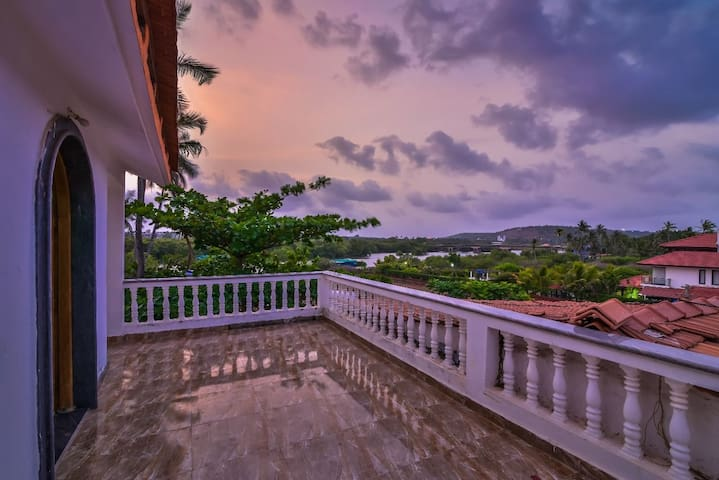 3BHK Riverview villa in Candolim 5 minute to Beach