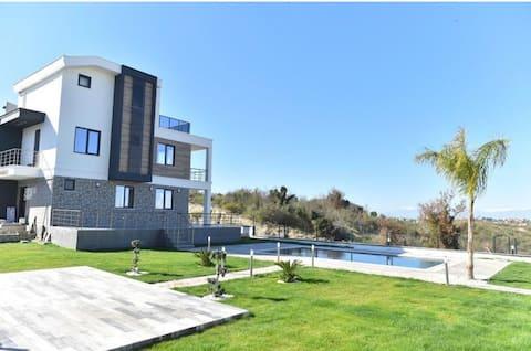 Fantastisk ny villa med 3 soveværelser og privat pool
