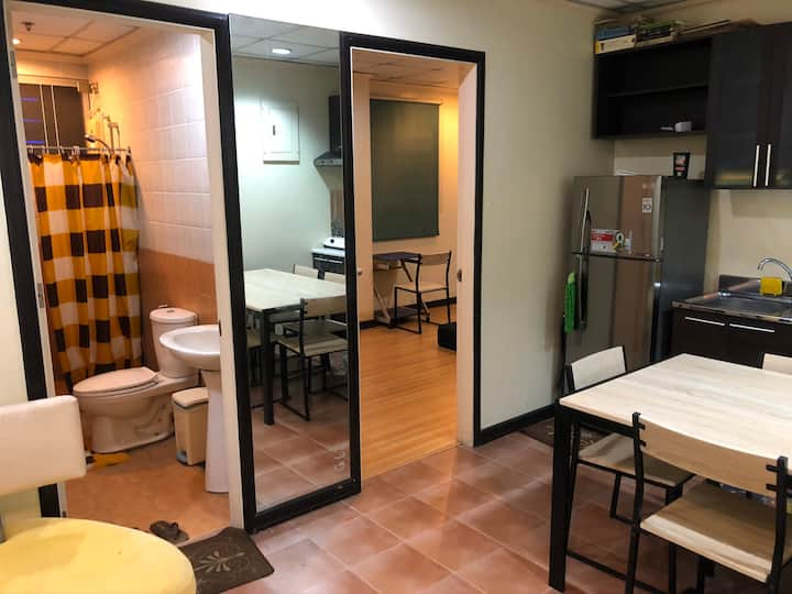 One bedroom condo unit at the heart of Quezon City