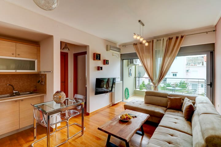 Brand new flat in the amazing area of Alimos.