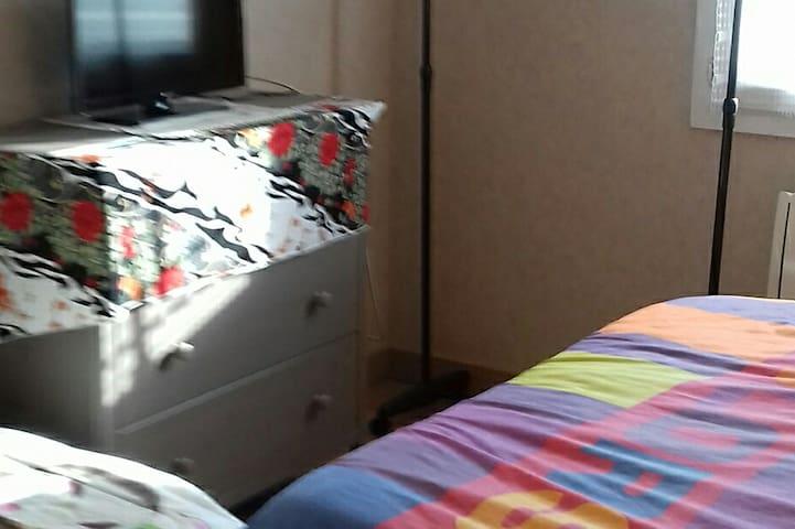 Lit 2 places chambre 2