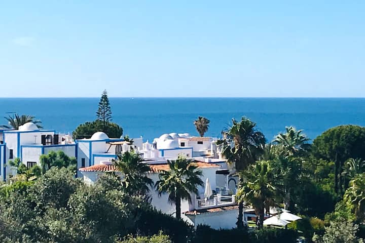 STAY THE WINTER - House with spectacular sea views