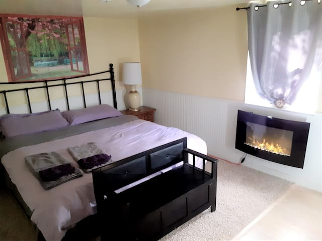 Luxury 2bed 2bath 2kitchen Apt+lounge atZen S/Hill