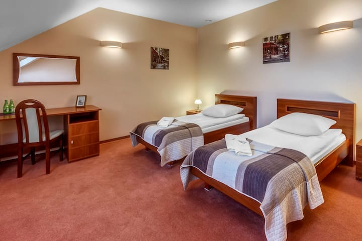 Przytulny pokój w rodzinnym hotelu ! - Skaryszew