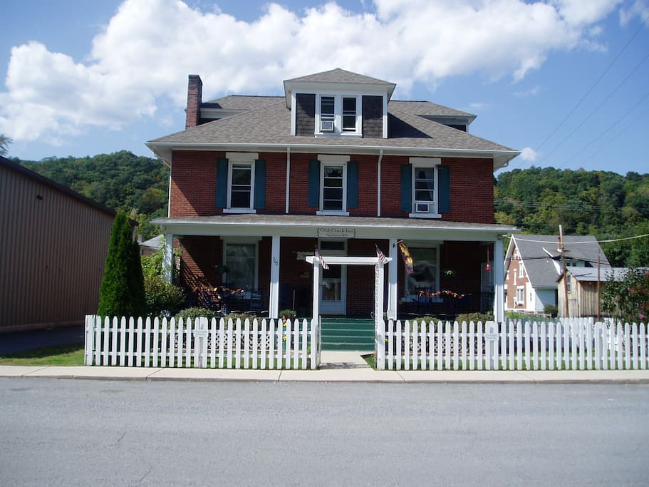 Old Clark Inn