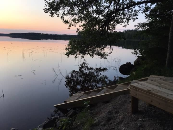 8 ppl cosy lakeside villa with stunning view