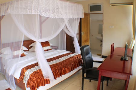 Stella Maris Hotel - Bagamoyo - Bed & Breakfast