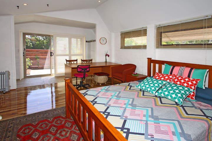 Spacious Studio apartment - Baulkham Hills - Apartament