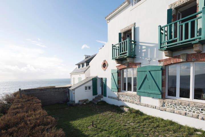 Villa des Roches - exceptional sea view