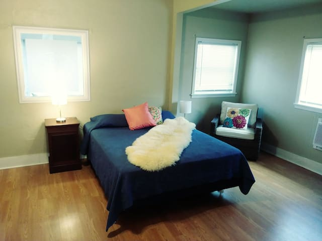 Minimalist Cottage