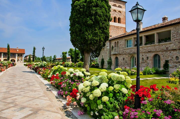 Bilocale nel Borgo del Resort - Pozzolengo - Leilighet