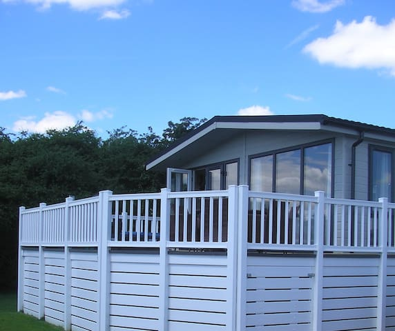 3 Bedroom Deluxe Lodge at Lazy Otter
