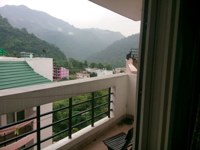 Valley View Entire Apartment- Luxury near Ganga - Rishikesh - Lakás
