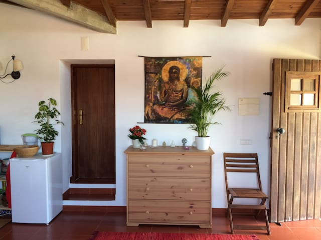 Beautiful, light and clean studio in quiet village - São Martinho das Amoreiras - Casa