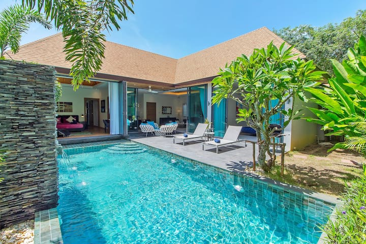 Resplendent High-Luxury Pool Villa, 2 rms, Naiharn