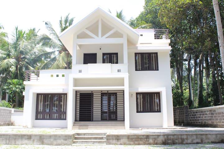 Lake view homestay near Trivandrum / Kovalam beach