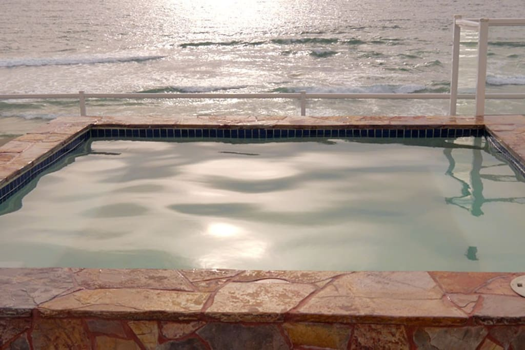 Hot Tub Overlooking the Beach & Ocean to watch the sunset, dolphins, whales, etc.