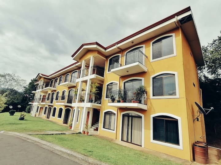 La Jacaranda Apartment