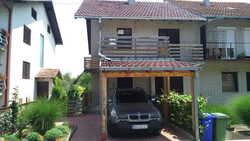 House apartmnt rooms for EXIT 15€ (guest/night) - Sremski Karlovci - Huis