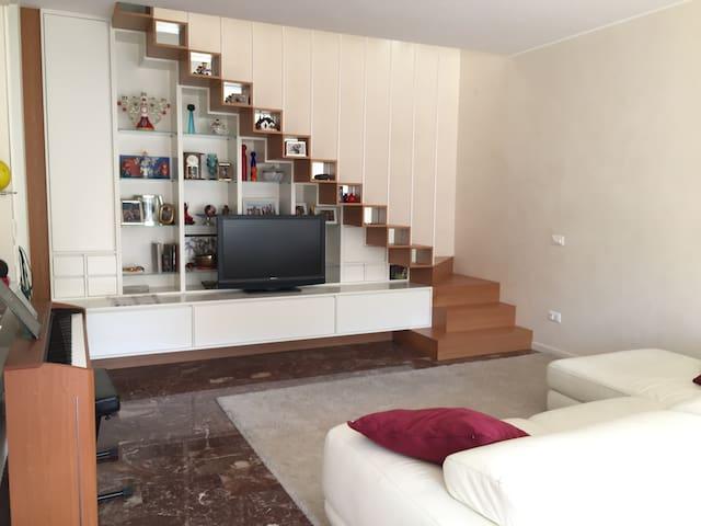Ampio appartamento con mansarda