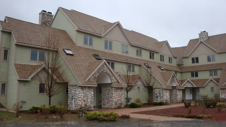 Windham Crystal Pond Condo, 4 BR, 3.5 Bath