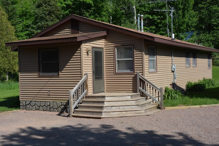 Janes Bay Retreat ~ Lake Namakagon - Hosted by North Country Vacation Rentals