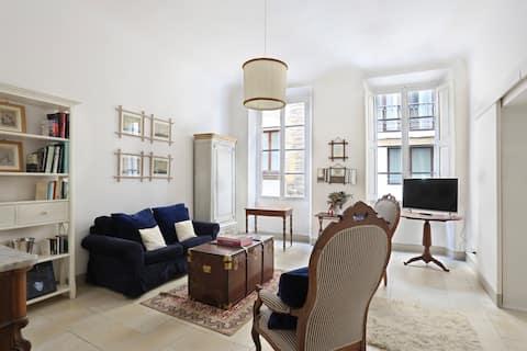 - Historical Florentine Apartment -