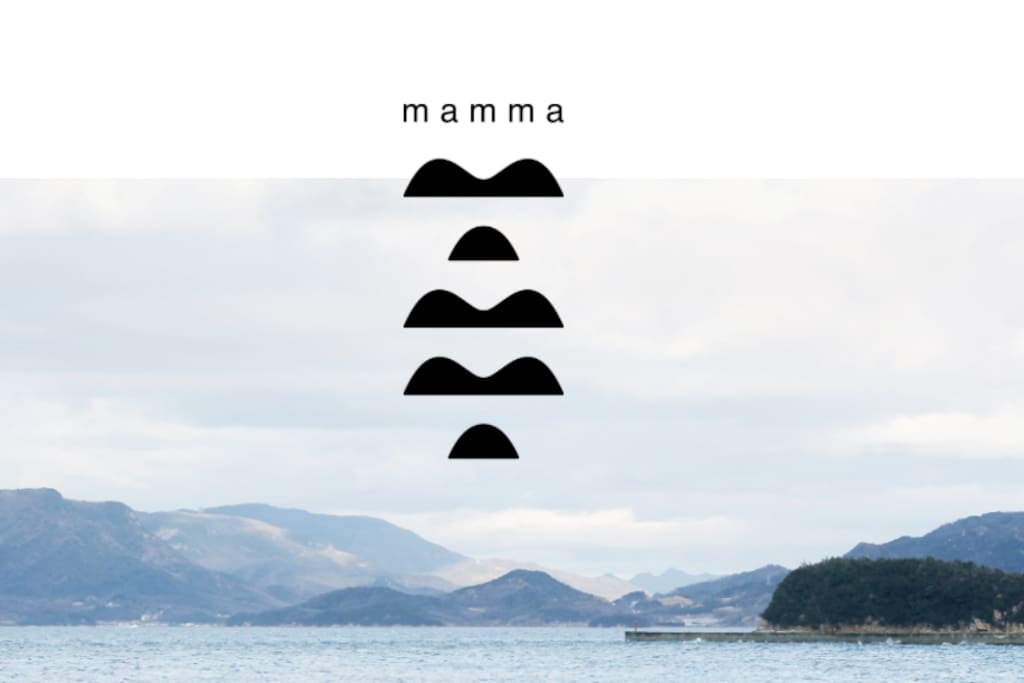 """ロゴは瀬戸内海に浮かぶ島をイメージして。母なる象徴""""おっぱい""""にも見えるかも。"""